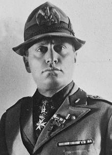 220px-Mussolini-ggbain